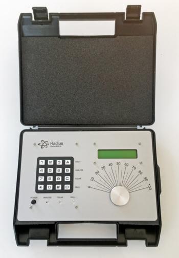 Radionikgerät zur Analyse und Projektion